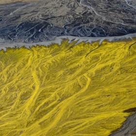 fringe-volcanic-river-iceland-andre-ermolaev