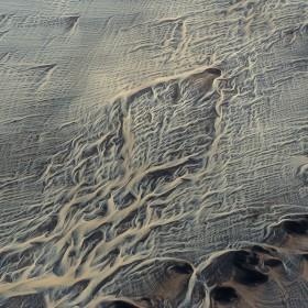 net-river-iceland-andre-ermolaev