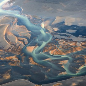 patterns-volcanic-river-iceland-andre-ermolaev