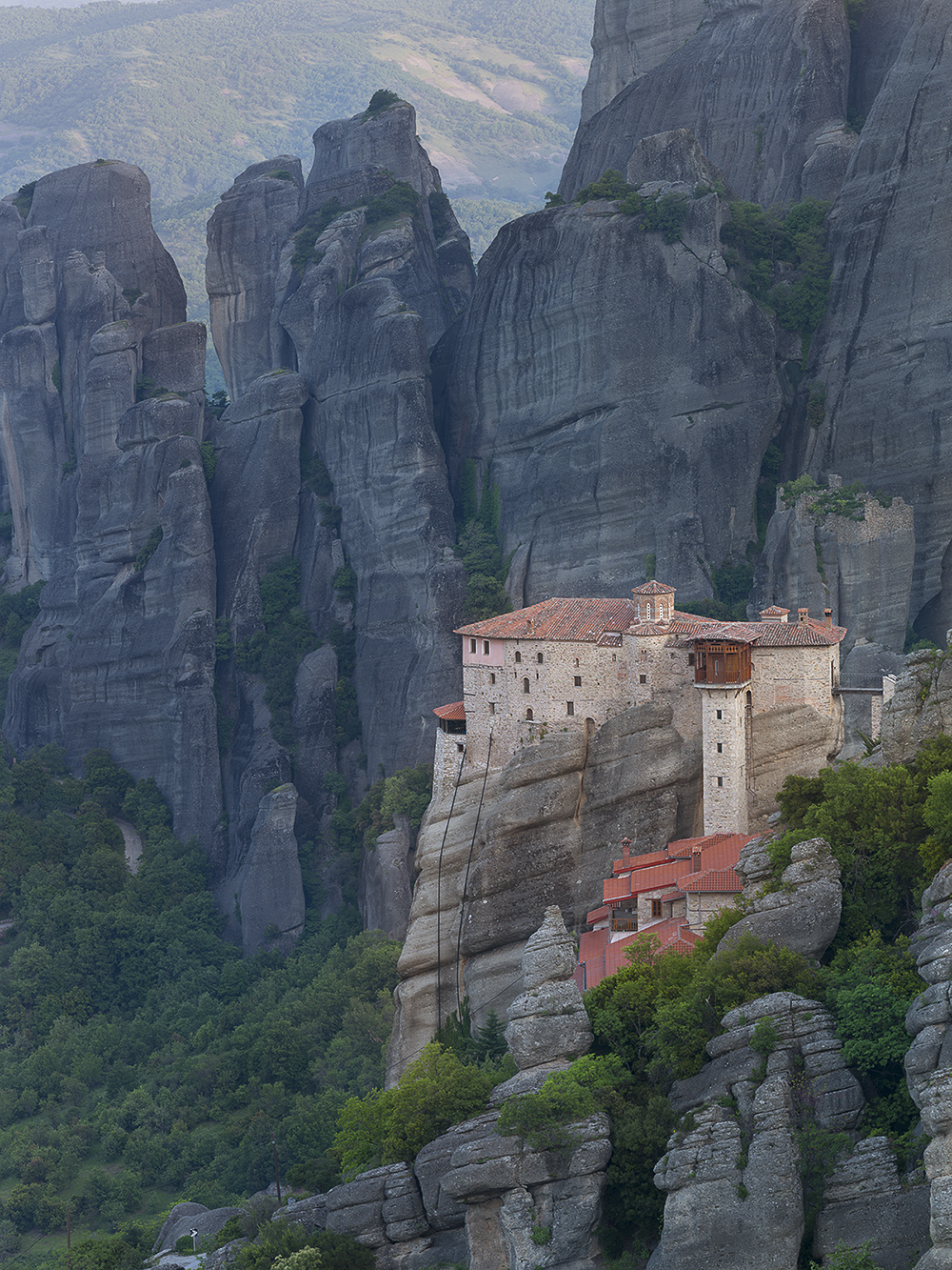 meteora-greece-by-andre-ermolaev-02